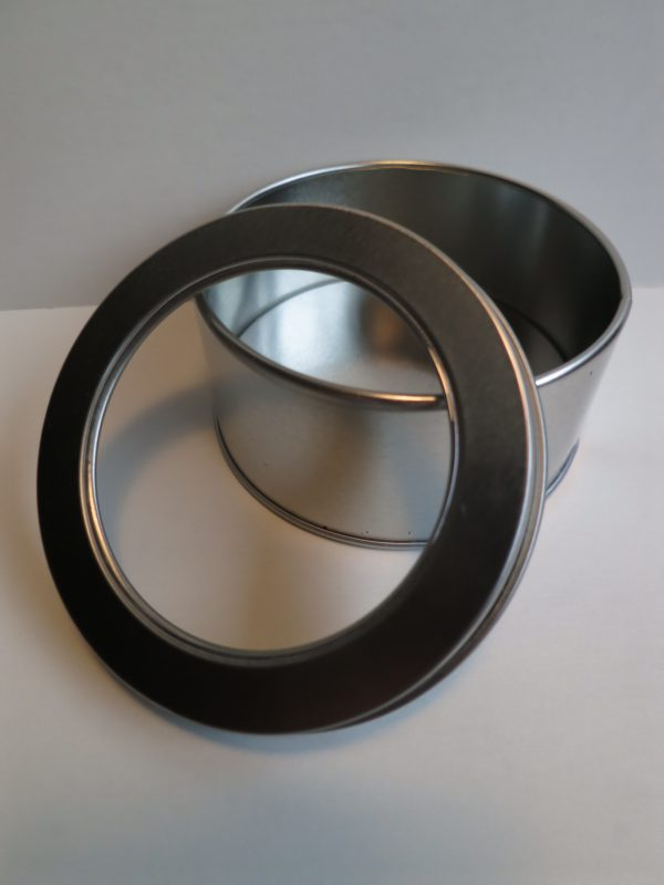 Tin-with-window